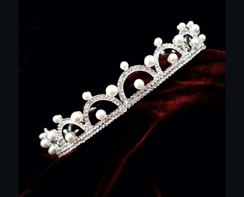 Champetra,Wedding accessories in Lebanon, fashion accessories in Lebanon, head accessories in Lebanon, hair accessories in Lebanon, tiara in Lebanon, wedding necklaces in Lebanon, handmade accessories in Lebanon, wedding jewellery in Lebanon, Lebanon wedding and fashion accessories